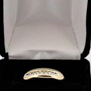 Jewelry - 10K Men's Yellow Gold Wedding Band Size 10